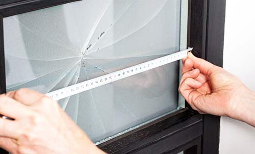 Window Glass Repairs & Same Day Window Glass Replacements Monument EC3 & across East Central and East London 24/7